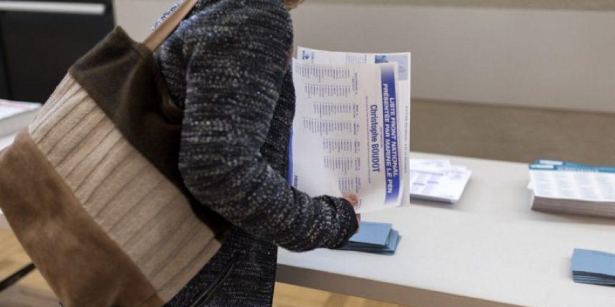 Francia celebra elecciones regionales bajo la sombra de los atentados de París