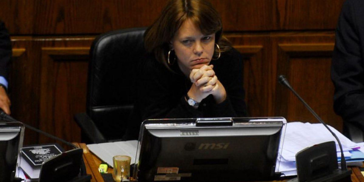 Fiscalía pide levantar secreto bancario de senadora Ena von Baer
