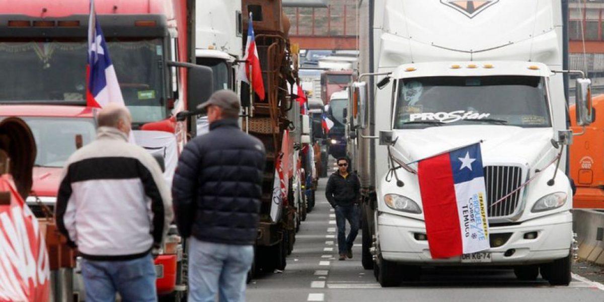 Camioneros advierten posible paro nacional tras atentados en La Araucanía