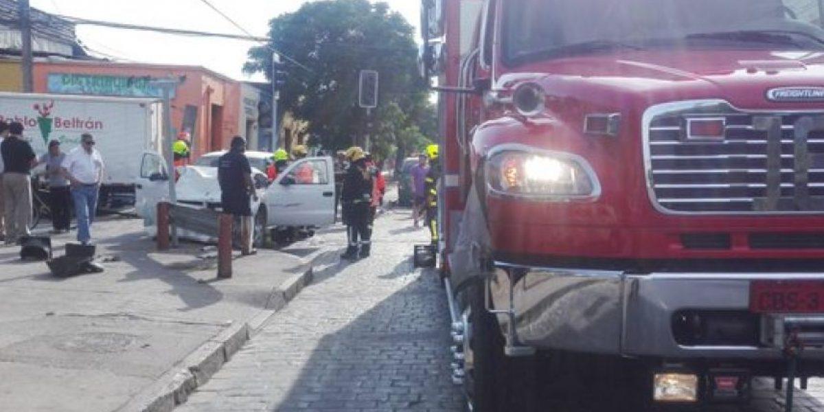 Ex alcalde Pedro Sabat sufre accidente de tránsito en pleno centro de Santiago
