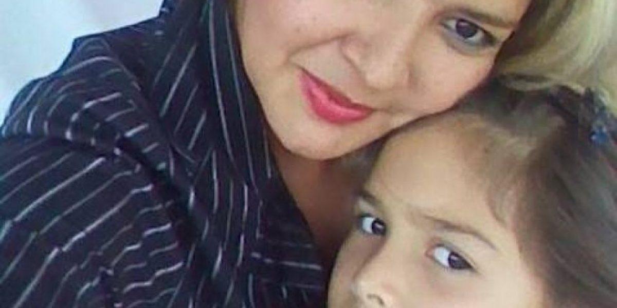 Mujer asesina a su hija de 7 años y manda fotos del cadáver por WhatsApp al padre