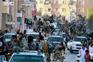 """O por acción del grupo terrorista """"Estado Islámico"""", señaló el Centro de Investigaciones Políticas de Siria. Foto:AP. Imagen Por:"""
