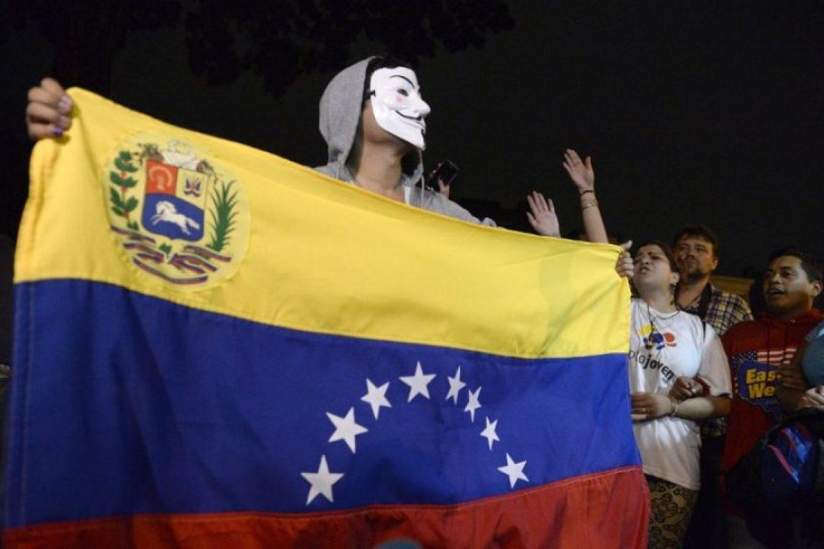 """2007: En este año, tal cual como lo informaron medios internacionales como """"CNN"""" o """"El País""""; el Banco Central Venezolano reportó una inflación anual del 56%, una de las más altas del mundo en el momento, lo que significa que los precios aumentaron, de enero a diciembre, en ese porcentaje. Foto:AFP. Imagen Por:"""