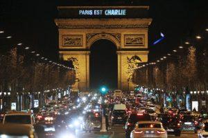 """""""Al principio creíamos que era una farsa y que estaban tirando petardos. Después entendimos que no"""", declaró el periodista Laurent Léger al medio France Info. Foto:AFP. Imagen Por:"""