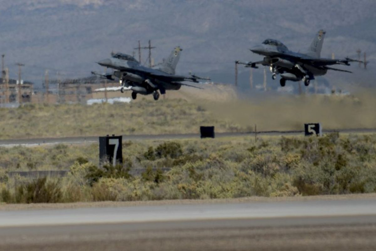 Después de escuchar tres fuertes golpes en la base aérea Kirtland, todo que se reportó a las autoridades. Foto:Vía kirtland.af.mil/. Imagen Por: