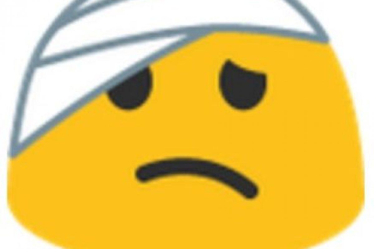 Venda en la cabeza. Foto:vía emojipedia.org. Imagen Por: