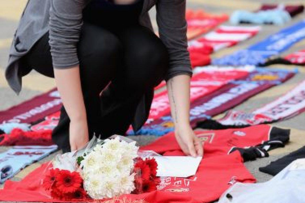 """""""Mi novio recibió 4 disparos para salvarme"""", añadió por su parte Saera Wilson a la BBC. Foto:Getty Images. Imagen Por:"""