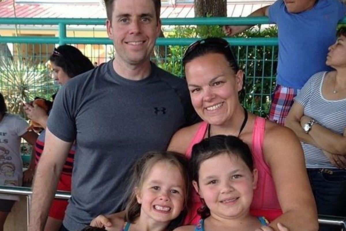 Courtney Solstad tiene tres niñas y quería desde hace rato otro hijo. Foto: vía Facebook/Court4jc. Imagen Por: