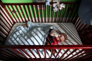 """Jill de 57 años mencionó al diario británico """"Mirror"""" que él y su esposa están a punto de jubilarse, por lo que no podrían hacerse cargo de todos los cuidados requeridos por Grace. Foto:vía Getty Images. Imagen Por:"""