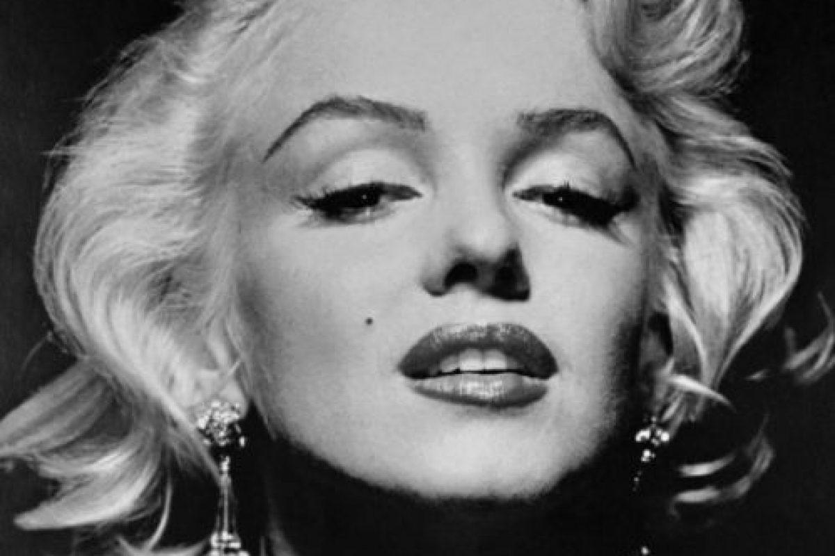 El de Marilyn Monroe es un caso triste: se esforzó incansablemente por quitarse la imagen de rubia tonta. Foto:vía Getty Images. Imagen Por: