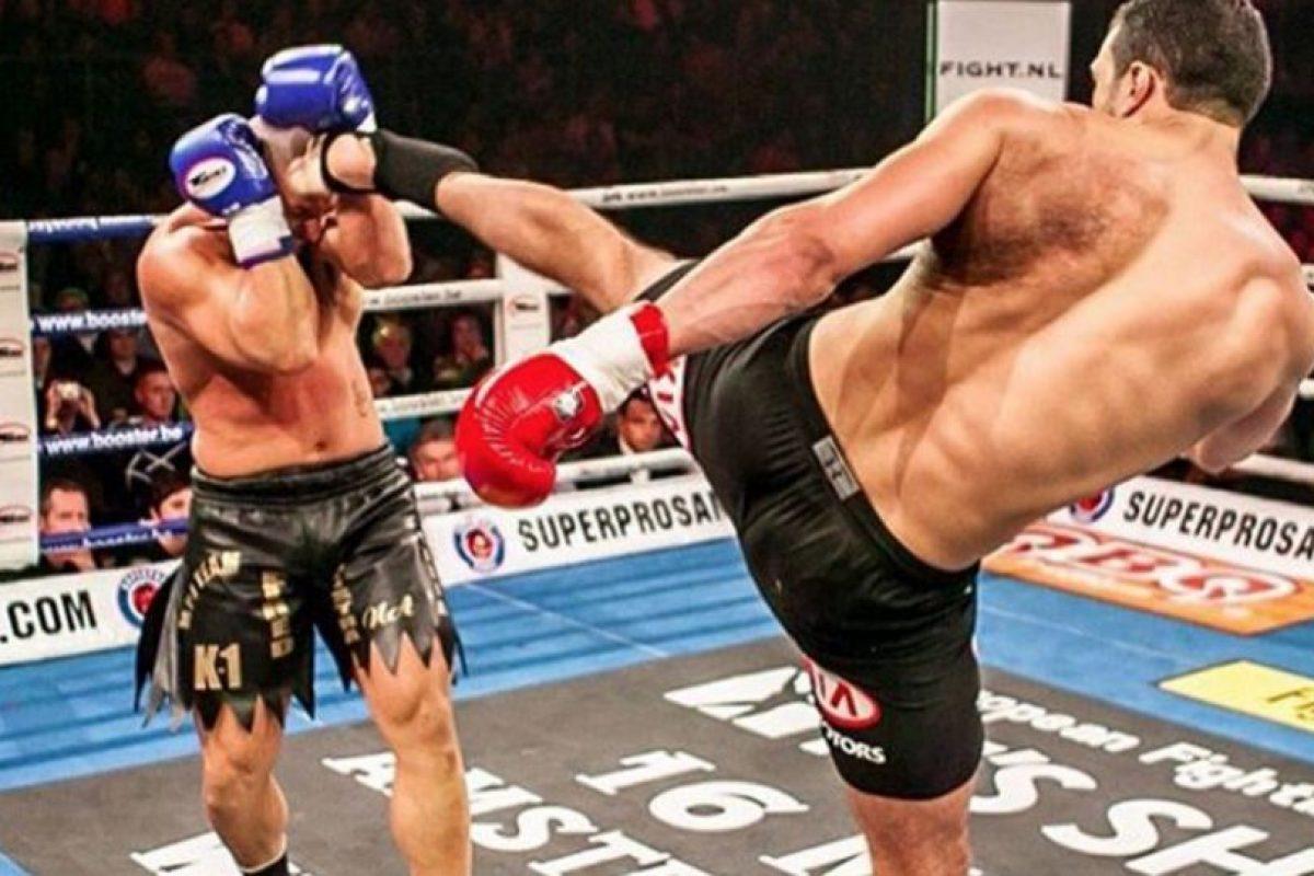 Fue Campeón de los Pesos Pesados de K-1 en 2008 y también Campeón de los Pesos Pesados de Showtime en 2010. Foto:Vía instagram.com/badrhariofficial. Imagen Por: