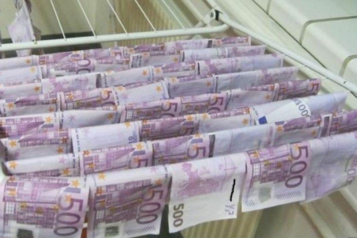 Allí fue donde se encontraron estos billetes que las autoridades se encargaron de secar. Foto:Vienna Police. Imagen Por: