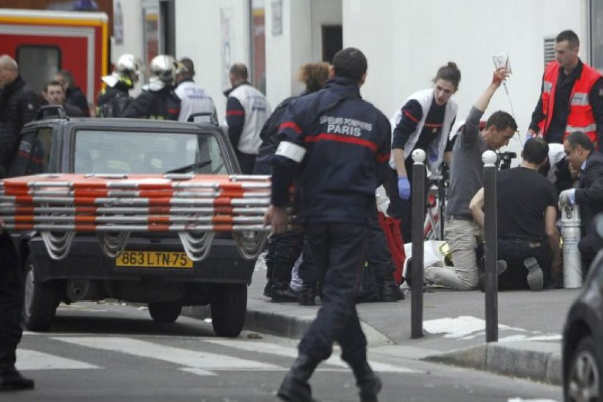 En total fallecieron 12 personas, entre ellos dibujantes y policías. Foto:AP. Imagen Por: