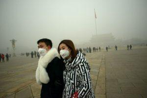 Es la primera alerta roja que emite el gobierno de la ciudad por contaminación Foto:AFP. Imagen Por: