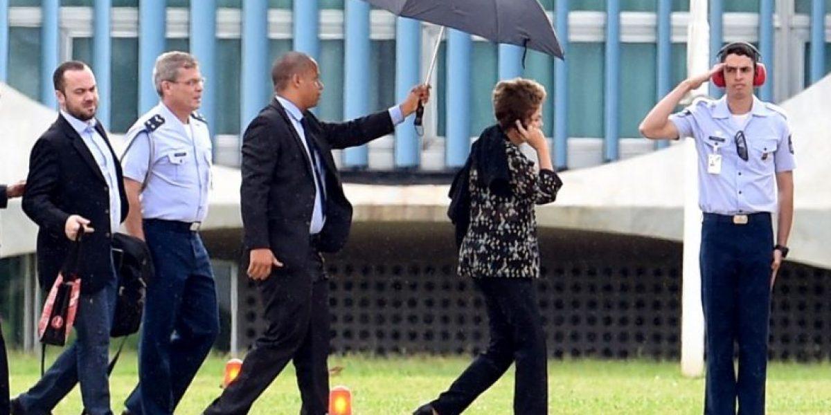 Tras perder primera batalla, Rousseff consigue tregua en su lucha contra la destitución