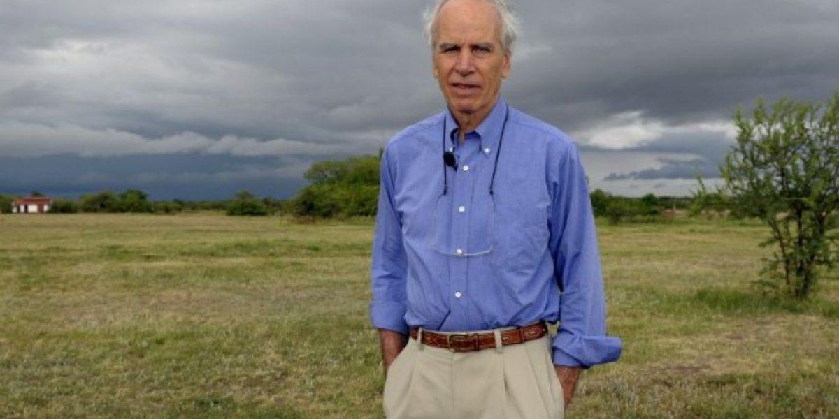 Senadores proponen entregar nacionalidad de manera póstuma a Douglas Tompkins