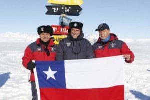 Acá aparecen los diputados Jaime Pilowsky y Romilio Gutiérrez Foto:Gentileza Ministerio de Defensa. Imagen Por: