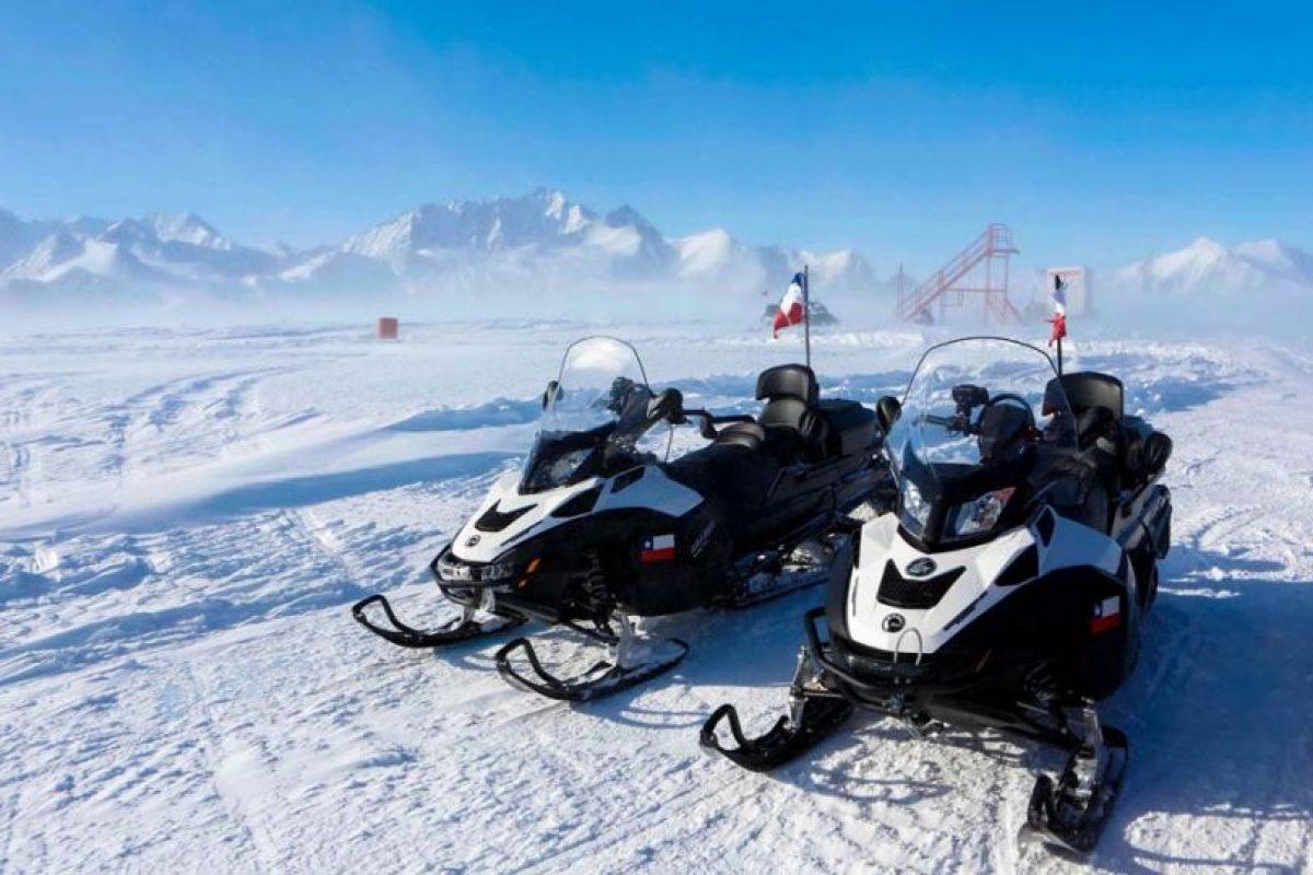 Estas son las motos con las que los científicos y militares se movilizan en el entorno del territorio chileno de la Antártica Foto:Gentileza Ministerio de Defensa. Imagen Por: