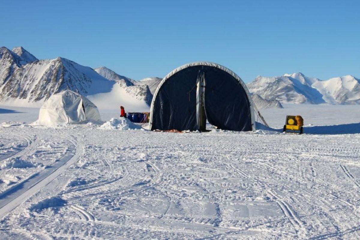 La base cuenta con domos donde se guardan insumos científicos, militares, comida y otros enseres Foto:Jaime Liencura / Publimetro. Imagen Por: