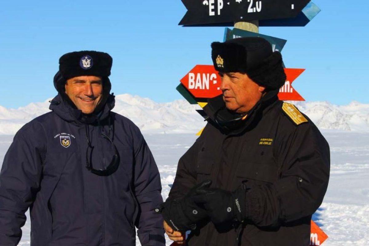 Ministro de Defensa, José Antonio Gómez junto a al Jefe del Estado Mayor Conjunto, Vicealmirante José Miguel Romero Aguirre Foto:Jaime Liencura / Publimetro. Imagen Por: