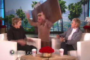 """3. Cuando Ellen DeGeneres lo asustó en su programa. Foto:""""Ellen DeGeneres Show"""". Imagen Por:"""