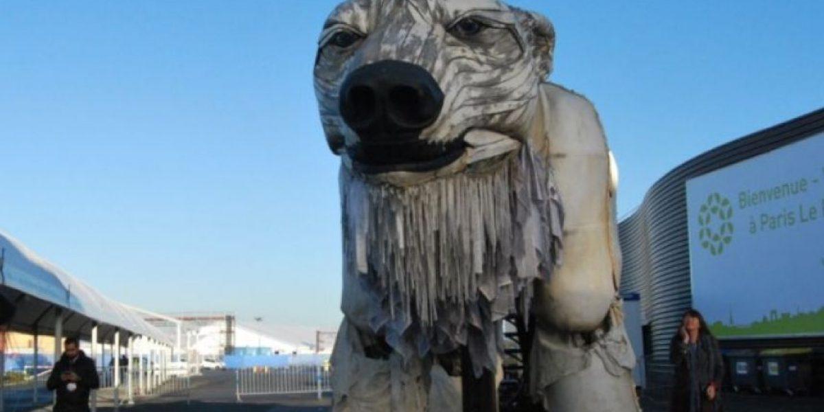 ¿Qué hace una osa polar en París?