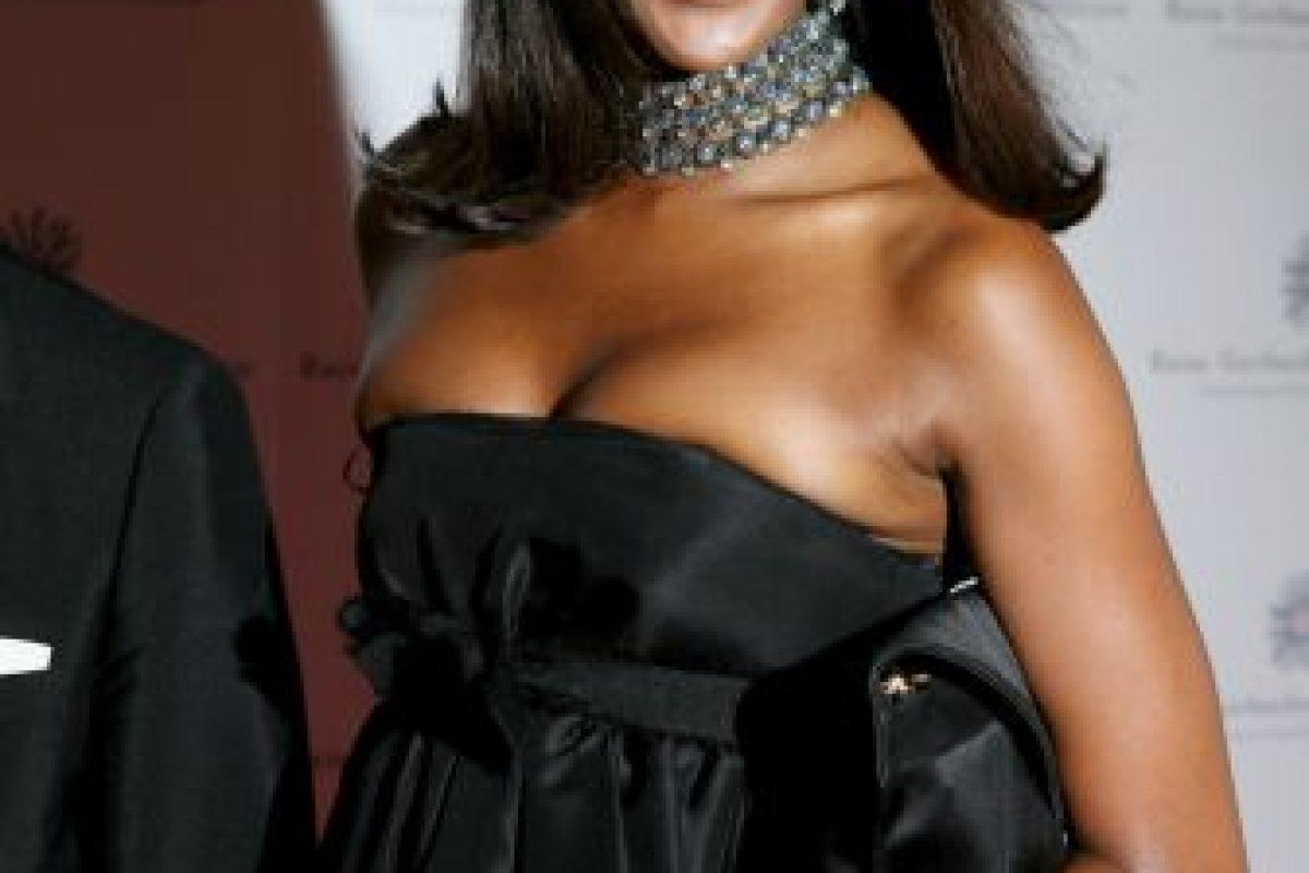 Naomi Campbell enseñó de más al huir de paparazzis Foto:Getty Images. Imagen Por: