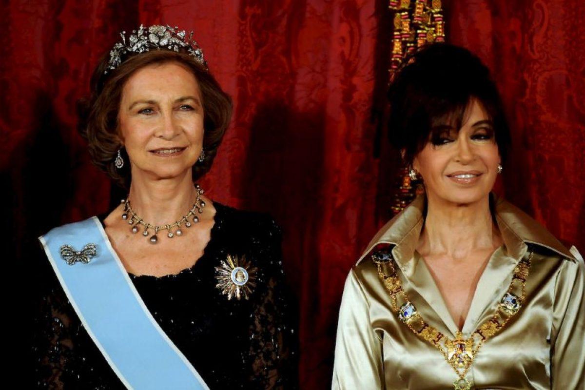 2009, en cena de honor con la Reina Sofía de España Foto:Getty Images. Imagen Por: