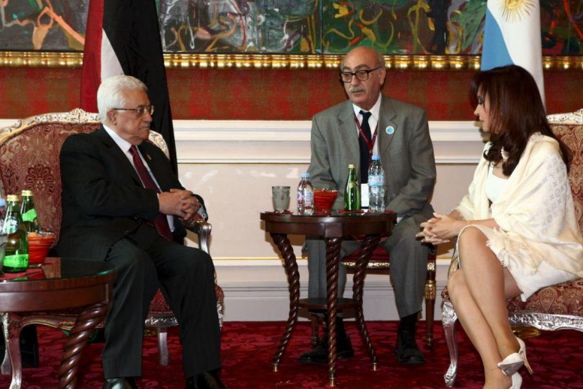 2009 en Qatar, con el jefe de la autoridad Palestina, Mahmud Abbas Foto:Getty Images. Imagen Por: