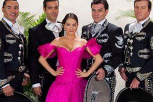 Se criticó que el amor de los personajes fuese falso. Foto:vía Televisa. Imagen Por: