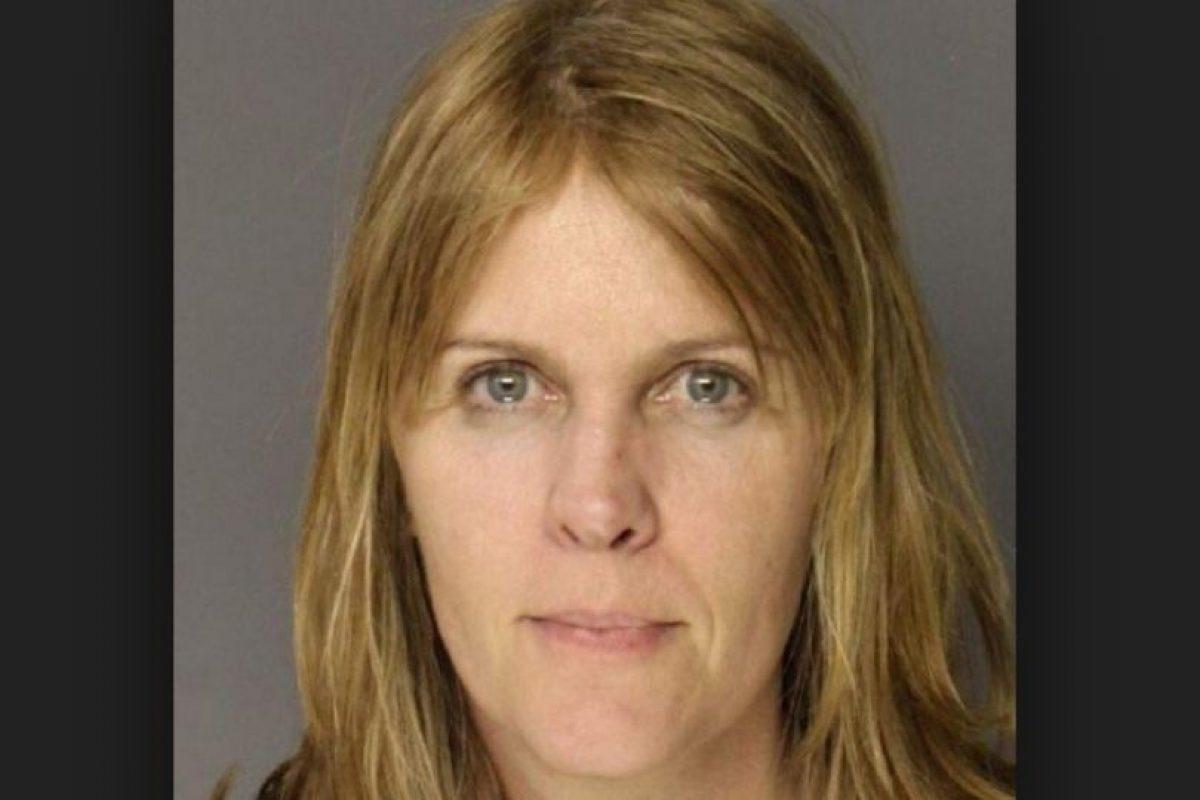 Sandra Beth Geisel fue arrestada por violar a un niño de 16 años de una escuela cristiana. Foto:Colonie Police Department. Imagen Por: