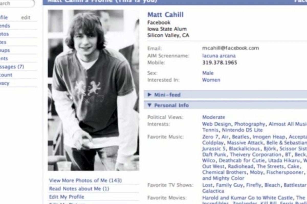 """2005. """"The"""" es eliminado del nombre de la red social. Foto:vía Facebook.com. Imagen Por:"""