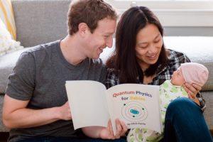 El fundador de Facebook dice que le encanta leerle a su hija. Foto:facebook.com/zuck. Imagen Por: