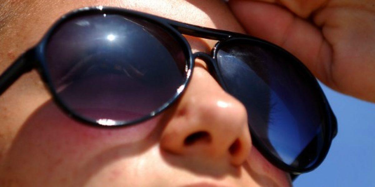 Estas son las recomendaciones que debe seguir si compra lentes de sol en la calle