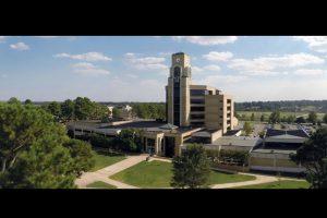 La Universidad fue bloqueada y sus actividades supendidas. Foto:Vía facebook.com/ArkansasState. Imagen Por: