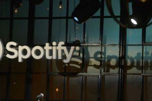 Usuarios que no paguen en Spotify no podrán escuchar todos sus discos favoritos. Foto:Getty Images. Imagen Por: