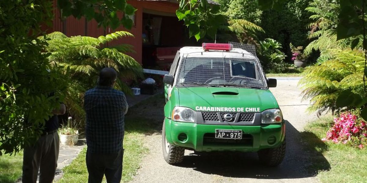 Mujer de 73 años sorprende a sujetos robando en su casa y muere baleada