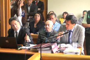 En medio, José Pérez Mancilla, sicario confeso del crimen del caso Haeger Foto:Captura: Poder Judicial. Imagen Por: