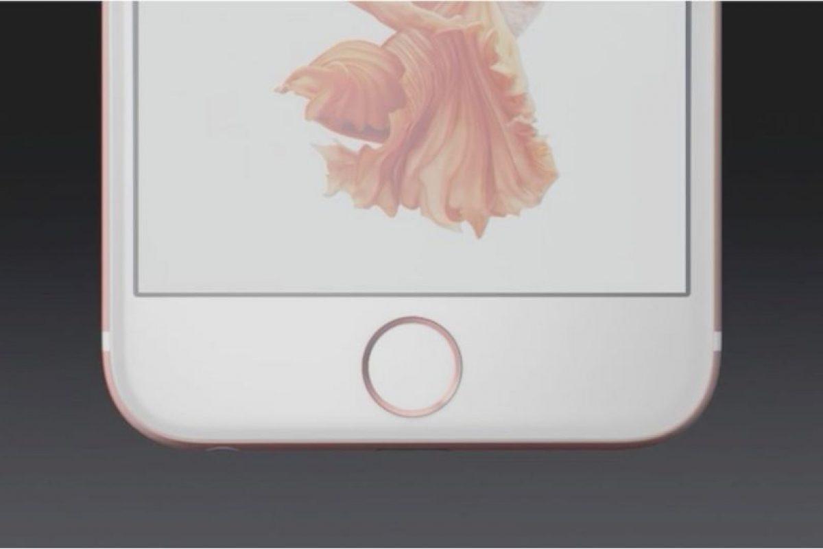 Esto puede parecer obvio: cuando se encuentren en el sol bajen todo el brillo de la pantalla. La opción se encuentra en el menú de Centro de Control. Foto:Apple. Imagen Por: