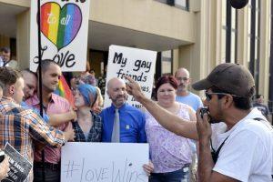 A medida de que más parejas del mismo sexo deciden tener hijos el negocio de las madres de alquiler aumenta. Foto:AP. Imagen Por: