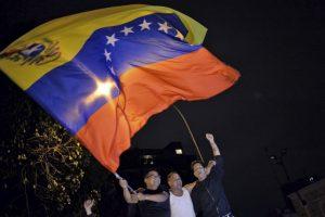 La oposición de Venezuela celebra haber ganado la mayoría en las elecciones parlamentarias. Foto:AFP. Imagen Por:
