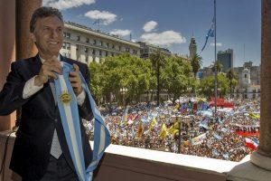 Mauricio Macri, en su ceremonia de toma de posesión como presidente de Argentina. Foto:AFP/ Presidencia argentina / JUAN MARCELO BAIARDI. Imagen Por: