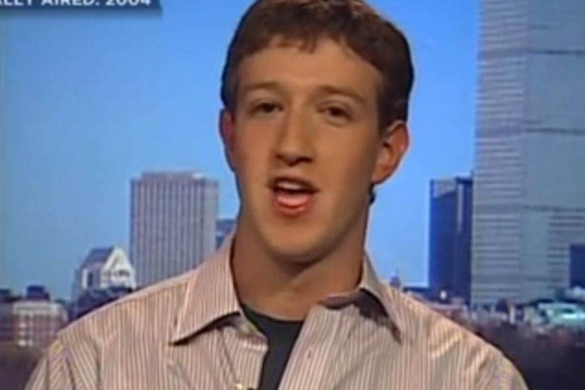 Mark Zuckerberg en una entrevista en 2004. Foto:CNBC. Imagen Por: