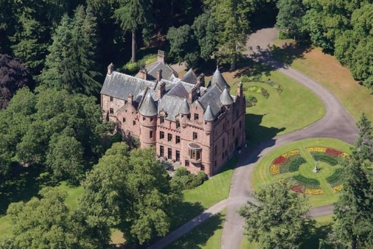 2. El castillo que compró en Escocia. Foto:Pinterest. Imagen Por: