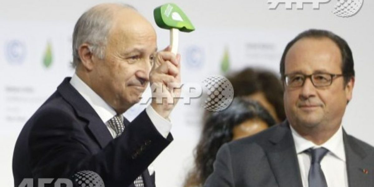 Cumbre de París aprobó acuerdo histórico contra cambio climático