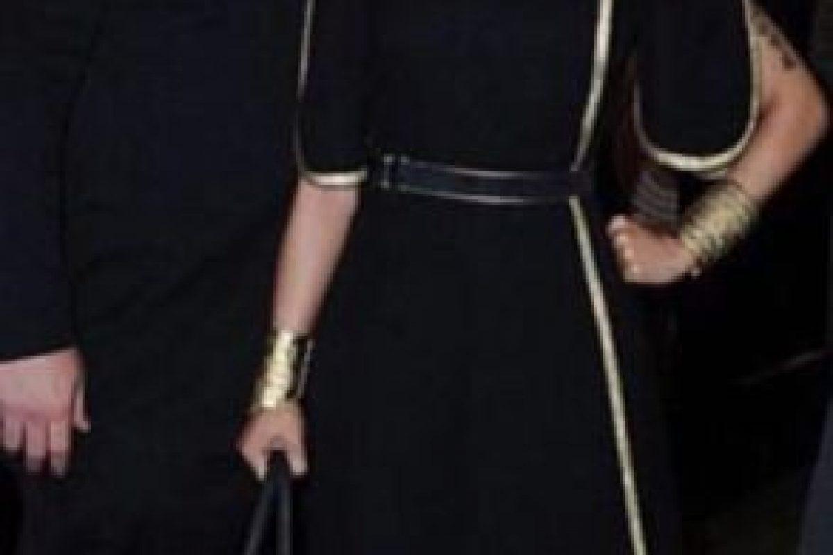 Nicki Minaj con un vestido que sí parecía de contrabando chino y un peinado fatal, para la gala del MET. Foto:vía Getty Images. Imagen Por: