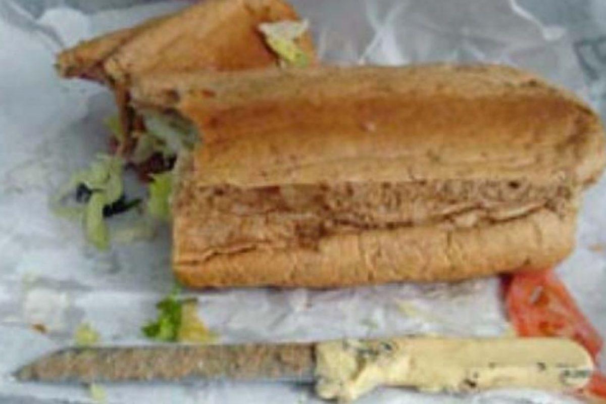 Cuchillo en el sandwich. Foto:vía EpicFail. Imagen Por: