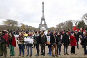 La organización ecologista advirtió de que aunque el Acuerdo de París es legalmente vinculante ya que es un Tratado según leyes internacionales, los objetivos nacionales (los llamados INDC) no son legalmente vinculantes ni lo son tampoco los compromisos de financiación. Foto:AFP. Imagen Por: