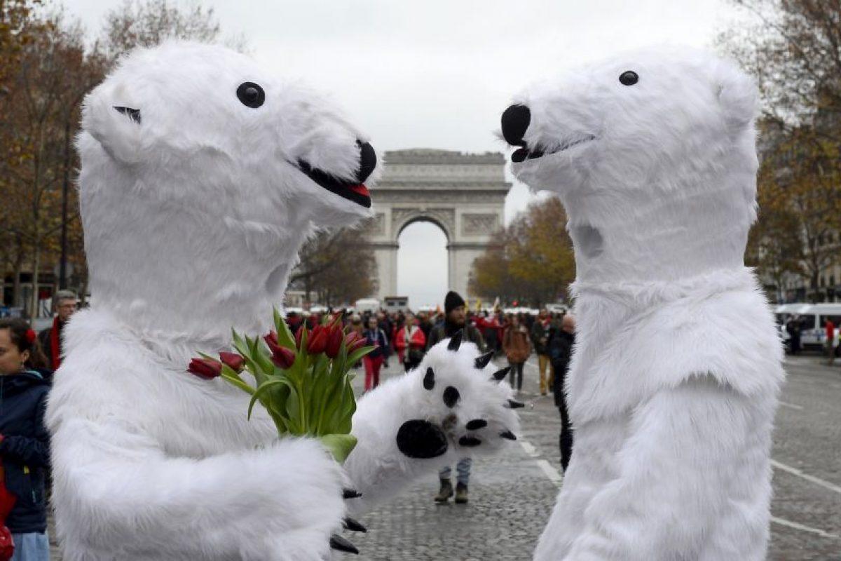 El acuerdo establece el año 2050 como el límite para abandonar por completo el uso de combustibles fósiles. Foto:AFP. Imagen Por: