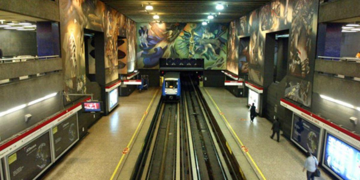 Metro Universidad de Chile estará cerrado de 10 a 15 horas este domingo